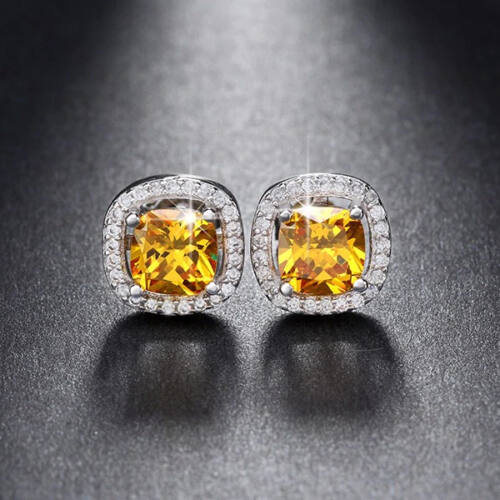 Beszúrós kocka fülbevaló sok apró Swarovski kristállyal whitegold-sarga
