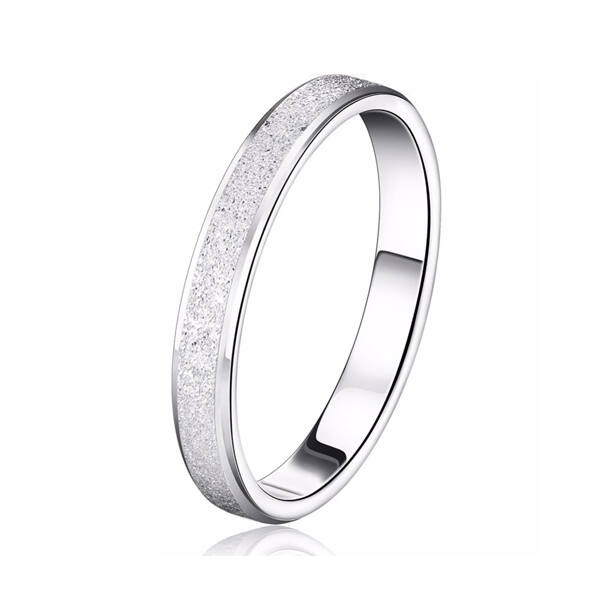 Csillogós karika gyűrű whitegold