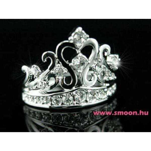 326 Korona egyedi köves gyűrű