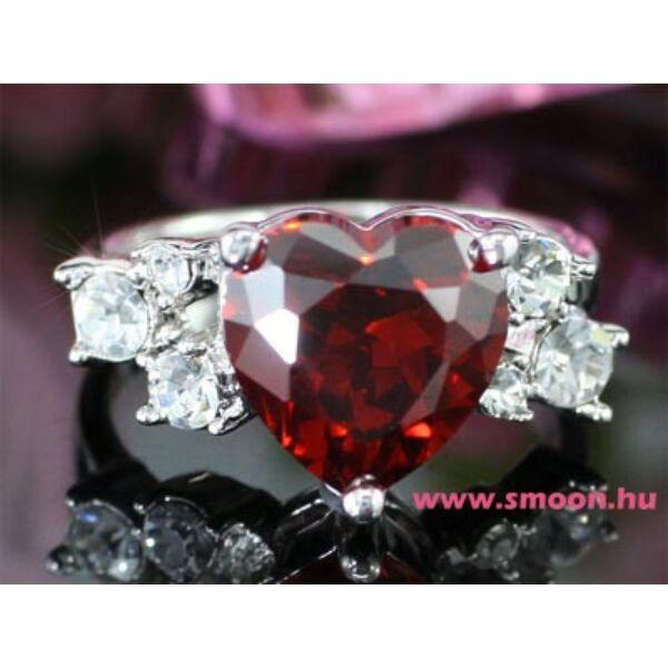 Piros szív Swarovski köves gyűrű