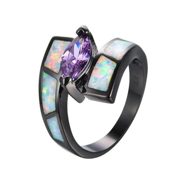 Black-opál gyűrű lila kristállyal